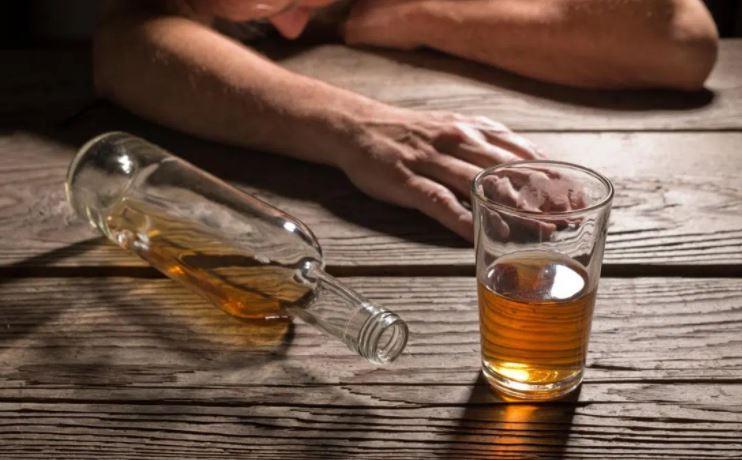 क्या शराब महिलाओं को अलग तरह से प्रभावित करती है? : Aviation Blog
